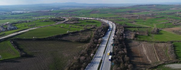 Bulgarların güncellemesi kilometrelerce tır kuyruğuna neden oldu! İşte binlerce insanı mağdur eden o görüntüler
