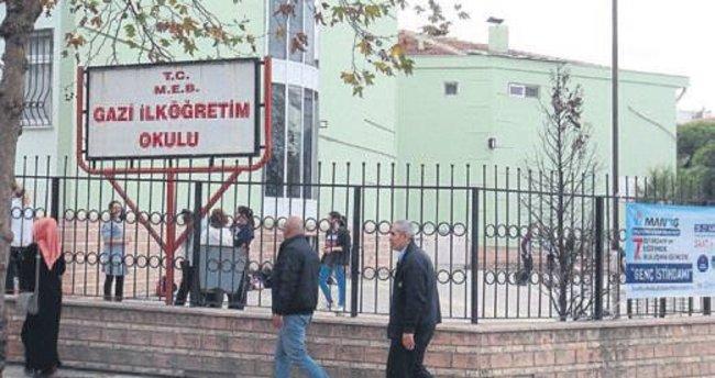 Öğrencilerin güvenliği Karşıyaka'da için okullara özel polis