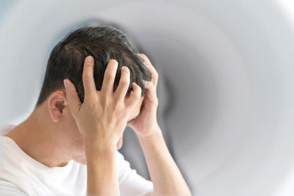 30 yıl boyunca baş ağrısı çeken adamın yaşadıkları kan dondurdu!