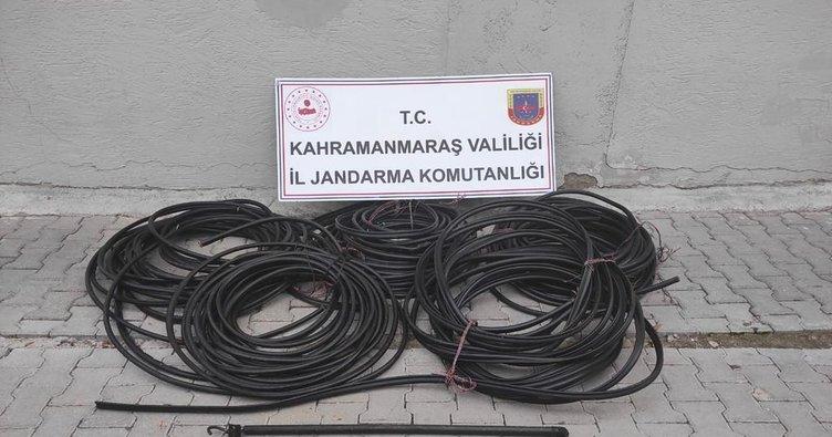 Kahramanmaraş'ta trafik kazası yapan hırsızlar yakayı ele verdi