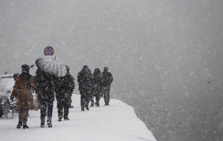 Meteoroloji'den son dakika hava durumu tahmin değişikliği! İstanbul'da kar yağışı başlıyor!