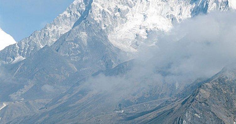 Himalaya Dağları'nda en az dokuz dağcı yaşamını yitirdi