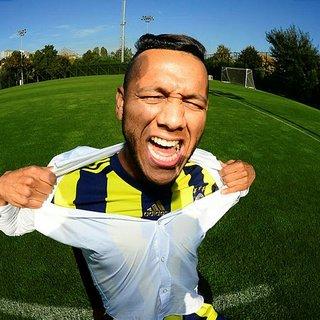 İngilizler Fenerbahçeli Josef transferinde ısrarcı!