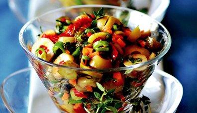 Kekikli Zeytin Salatası