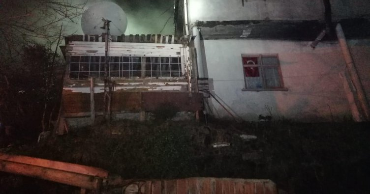 Trabzon'da bir evde çıkan yangında dumandan zehirlenen yaşlı çift hayatını kaybetti