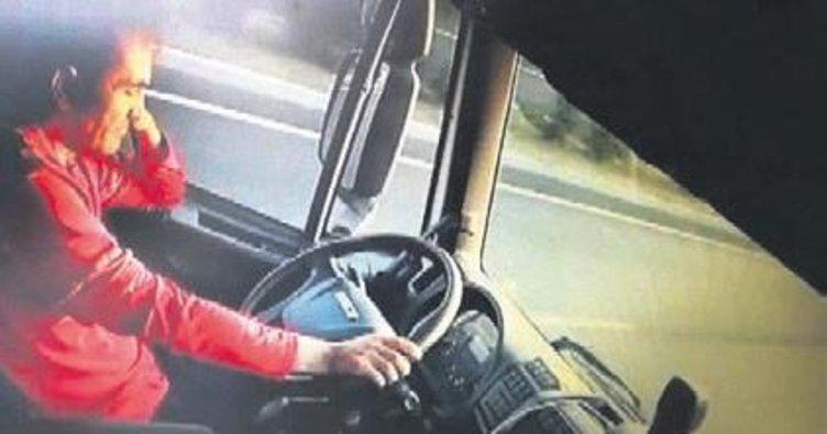 Şoförü uyuyan kamyon yayayı ezdi