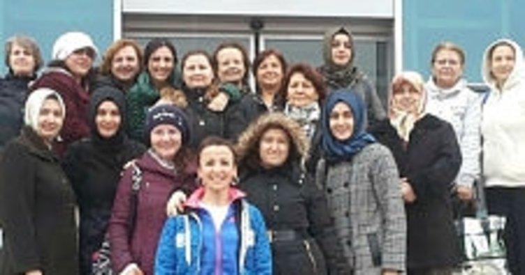 Yunusemre'den kadınlar için yüzme kursu