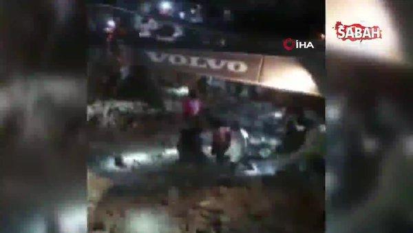 Endonezya'da kaçak altın madeninde heyelan: 5 ölü | Video