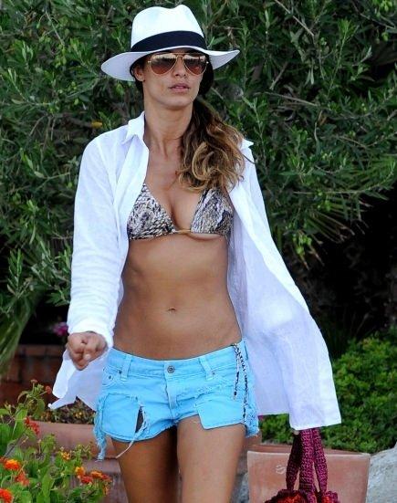 Elisabetta Canalis'e bikini şoku!