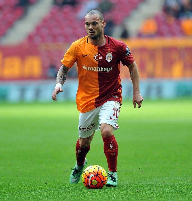 Sneijder kadro dışı