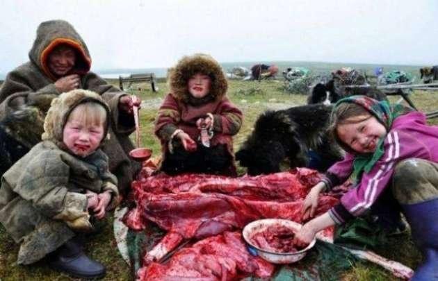 Eti çiğ yiyen halk