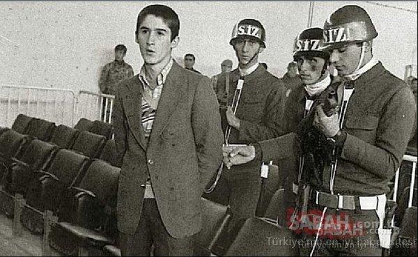 Başbakandan lise öğrencilerine herkes kelepçelendi! Demokrasi adına acı... 12 Eylül!