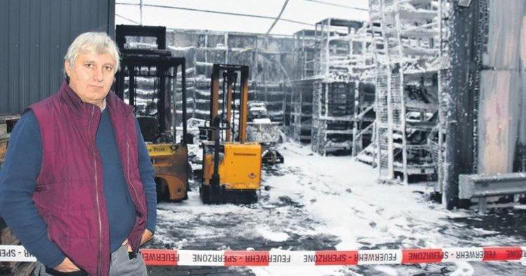 Türk firmasının deposu kundaklandı