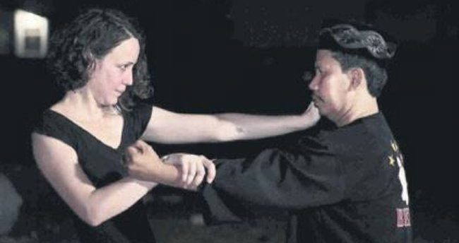 Zeyno Pekünlü'nün video kolajları Gezici Festival'de
