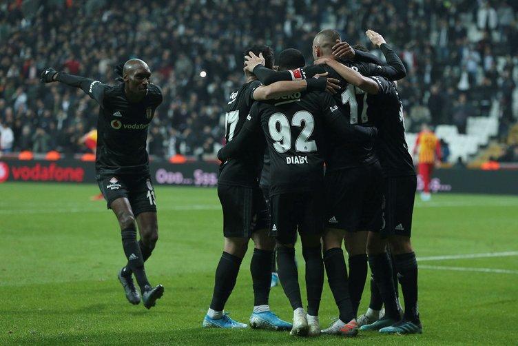 Beşiktaş - Kayserispor maçında Elneny sosyal medyayı salladı