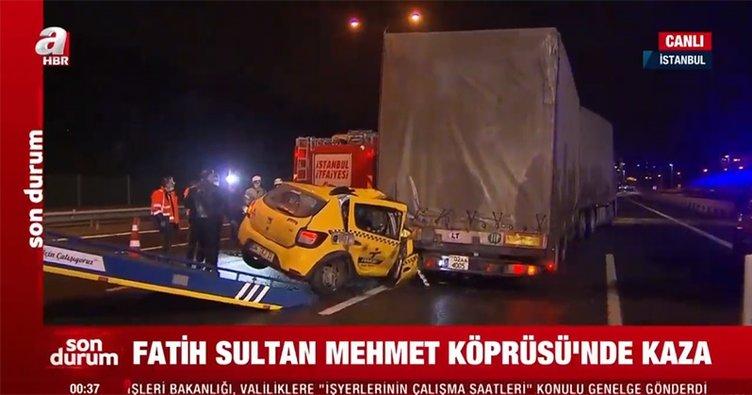 FSM Köprüsü girşinde taksi TIR'a çarptı