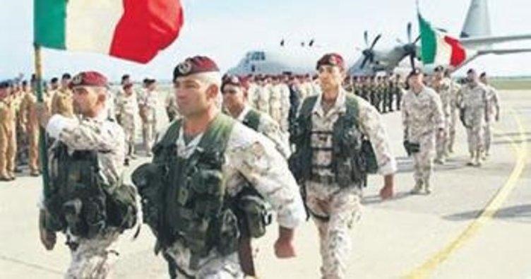 İtalya'da zorunlu askerlik geri geliyor