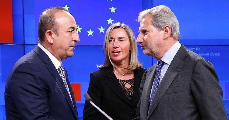 Brüksel'e çifte standart uyarısı