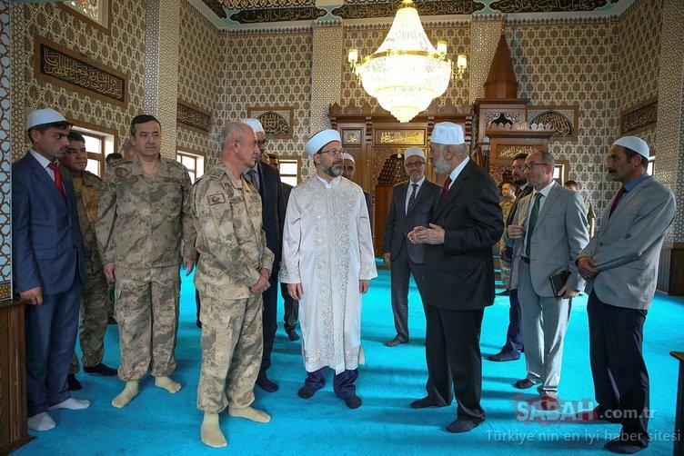 Diyanet İşleri Başkanı Ali Erbaş Jandarma Komutanlığını ziyaret etti.