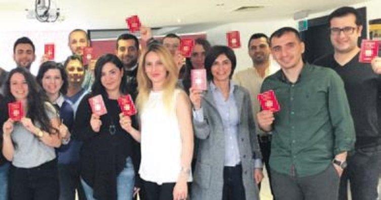 DHL Türkiye ekibine 'Kırmızı pasaport' verdi