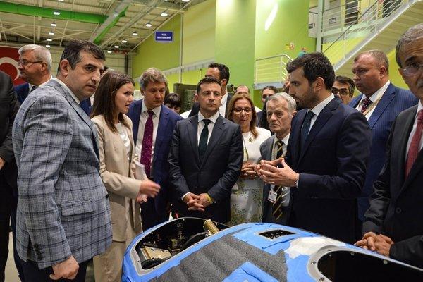 Ukrayna Cumhurbaşkanı Vladimir Zelenskiy'den Baykar tesisine ziyaret