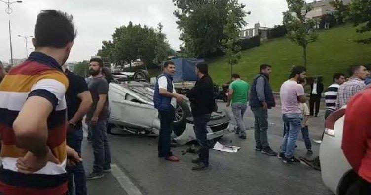 İstanbul'da zincirleme trafik kazası! TEM'de trafik durdu...