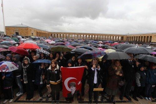 10 Kasım'da Anıtkabir'e ziyaretçi akını