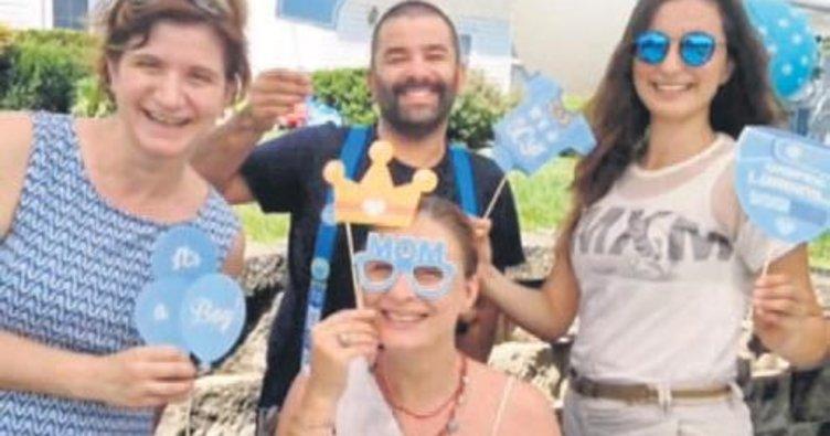 Ceyda Düvenci'ye sürpriz bebek partisi