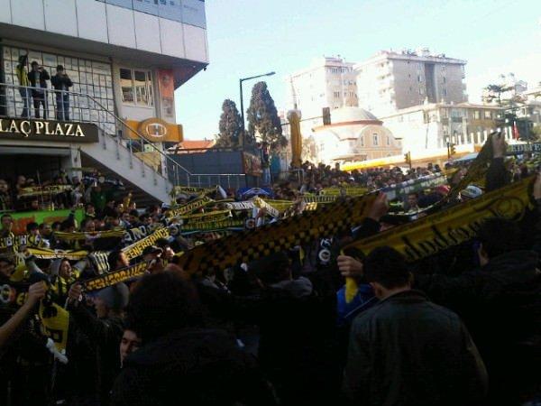 Fenerbahçe taraftarı maçı bekliyor