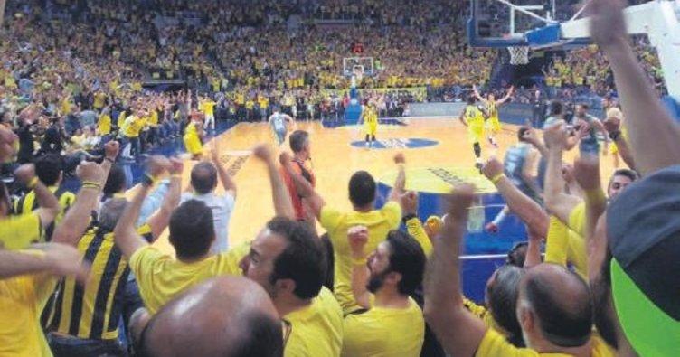 Fenerbahçe taraftarı kombine rekoru kırdı