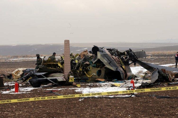 Askeri helikopter düştü