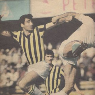 Fenerbahçe'nin efsane oyuncusu Şeref Has hayatını kaybetti! Şeref Has kimdir?