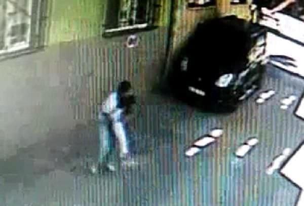Sokakta çocukları taciz eden sapık tutuklandı