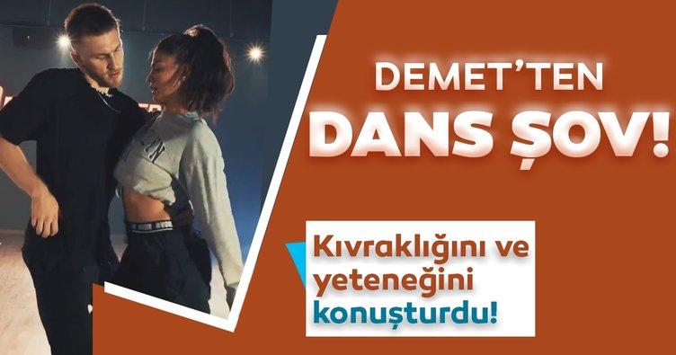 Demet Özdemir dansdaki yeteneğini konuşturdu! Demet Özdemir'in kıvrak figürler sergilediği dans şovu sosyal medyayı salladı...