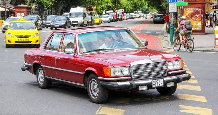 Tarihte ilk defa Mercedes S Serisi'nde kullanılan...