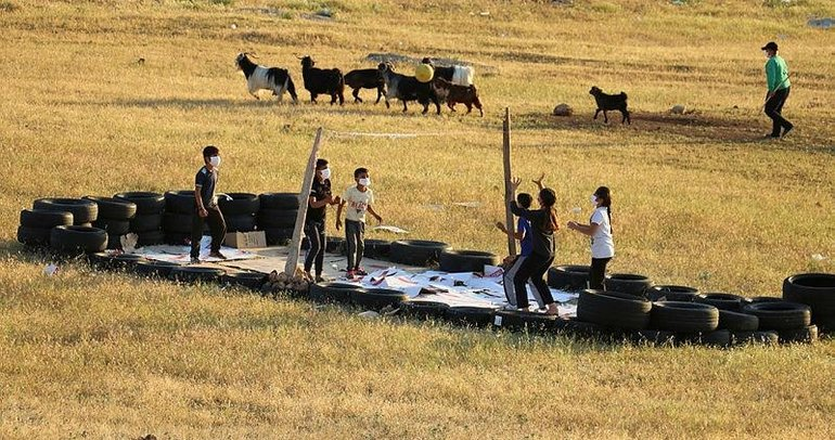 Siirt'teki 'voleybol aşkına' Kasapoğlu'ndan destek