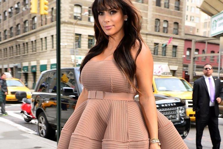Kardashian sosyal medyayı salladı