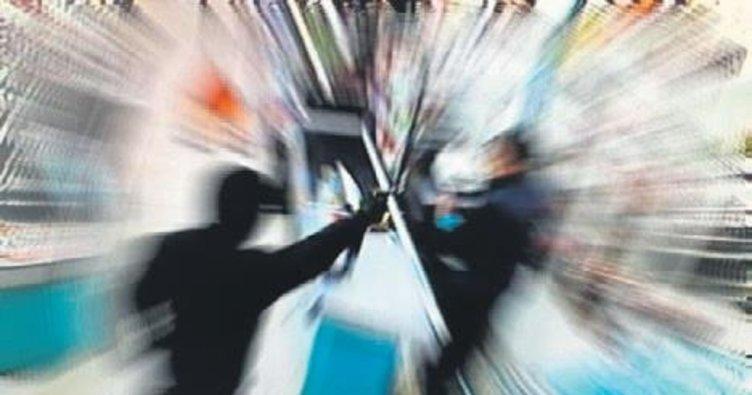 Kağıthane'de 5 dakikada 2 silahlı soygun