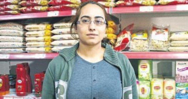 Kadın işletmeci hırsızı kovaladı