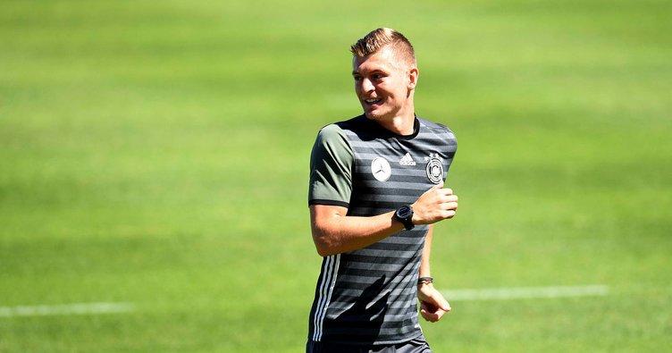 Real Madrid, Toni Kroos'un sözleşmesini yeniledi