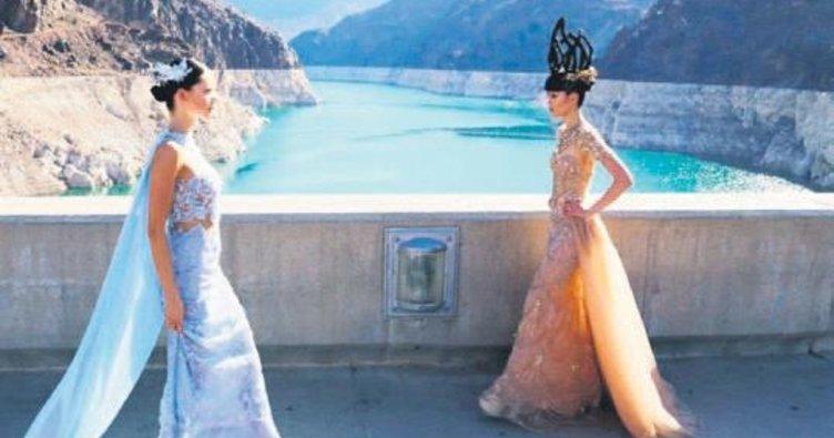 Türk tasarımcı Arizona barajında defile yaptı