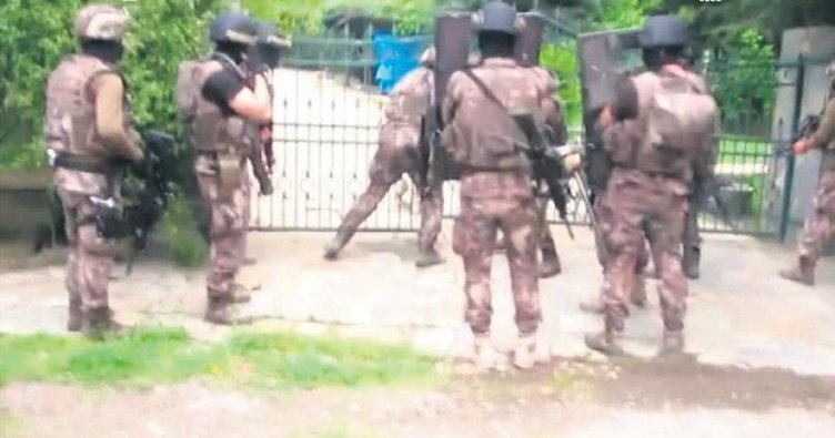 Şahin'e operasyon polis kamerasında