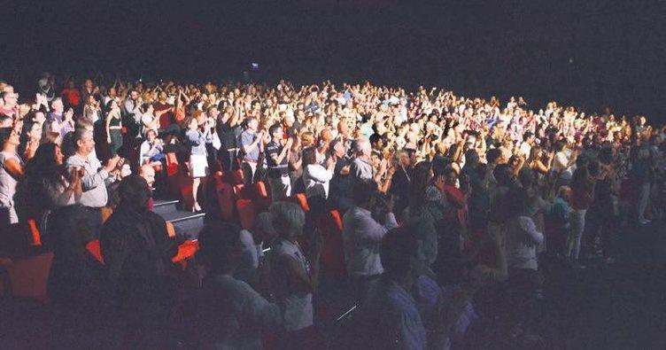 Timur Selçuk'tan 50. yıl konseri