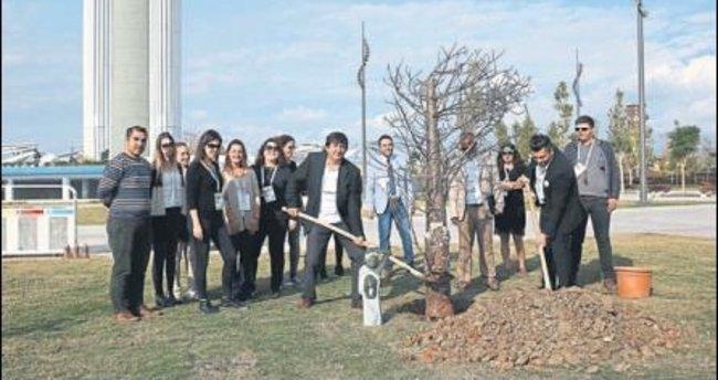 Zimbabve, baobab ağacı hediye etti