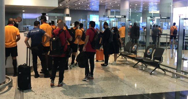 Son dakika... Galatasaray'a Yunanistan'da kötü muamele! İstanbul'a dönme kararı alındı...