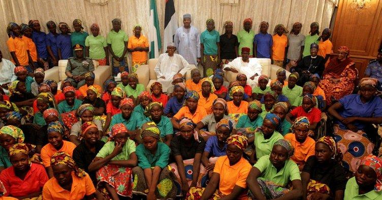 Boko Haram kaçırdığı kız öğrencilerden 82'sini serbest bıraktı