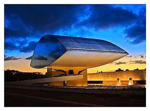 Kadın kıvrımlarından ilham alan mimar: Oscar Niemeyer