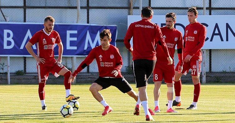 Beşiktaş, Sivasspor maçının hazırlıklarına eksik başladı