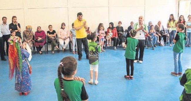 Şehitkamil Belediyesi halk oyunlarını yaşatıyor