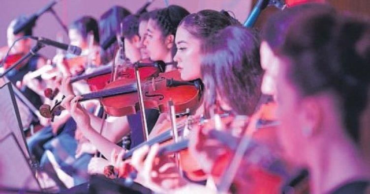 KONSEM orkestrası gönülleri fethetti